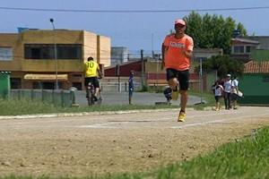 Ultramaratonista cego completa prova heroica (Rede Globo)