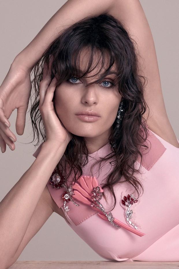 Isabeli Fontana na edição de setembro da Vogue  (Foto: Zee Nunes/ Arquivo Vogue)