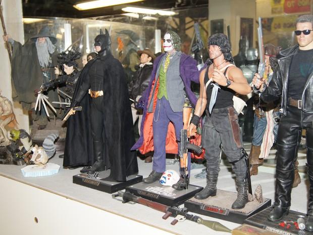 Super-heróis e personagens do cinema fazem parte da coleção (Foto: Foto: Lívia Torres)