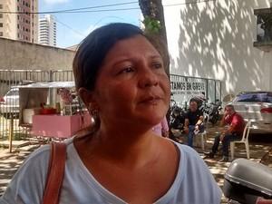 Isabel Cristina do Nascimento, esposa da vítima, disse que o marido nunca se envolveu em crimes (Foto: Arthur Barbalho)