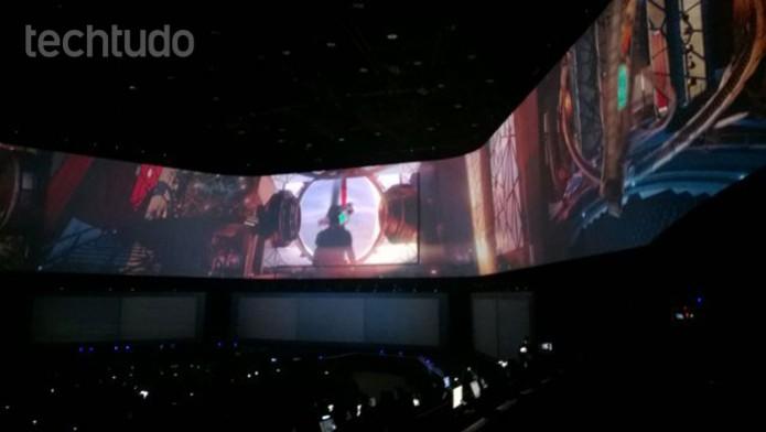 Primeiras cenas de abertura da conferência da Sony (Foto: Isadora Díaz /TechTudo)