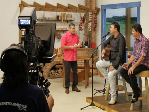 Pescuma já recebeu grandes nomes da música Brasileira no programa É Bem MT, dentre eles a dupla Chico Rey e Paraná. (Foto: Reprodução/TVCA)