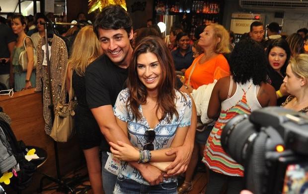 Bruno De Luca e Fernanda Paes Leme no Bazar da Preta (Foto: Roberto Teixeira / EGO)