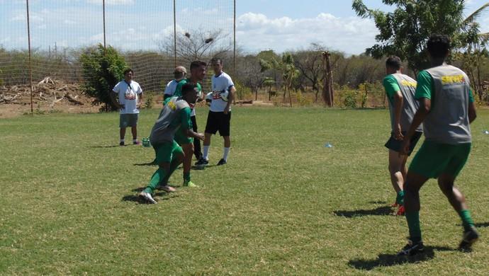 Baraúnas - primeiro treino elenco pré-temporada Barata (Foto: Yhan Victor/ACEC Baraúnas/Divulgação)