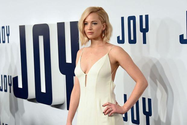 Jennifer Lawrence quase matou um homem com sua bunda. É sério