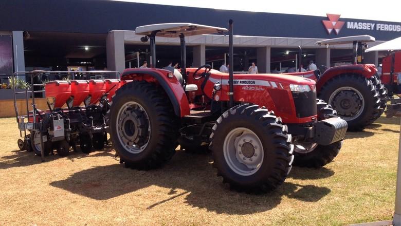 trator-máquina-agrícola-agrishow-2015 (Foto: Editora Globo/ Valter Silva)