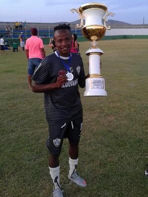 Nigéria foi vice-campeão da A-2 com o Botafogo-SE (Foto: Arquivo/Joseph Lawson)