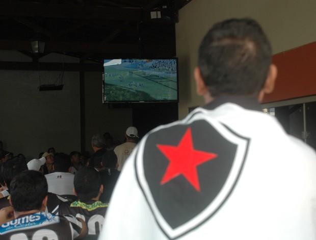 Torcedores do Botafogo-PB lotam bares em João Pessoa (Foto: Globoesporte.com/pb)