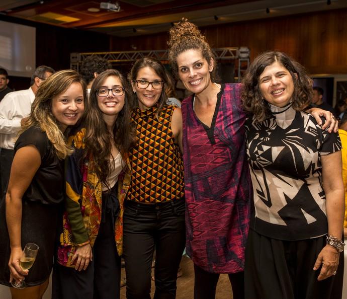 Equipe de direção reunida no primeiro capítulo de 'Mister Brau' (Foto: Ellen Soares/Gshow)
