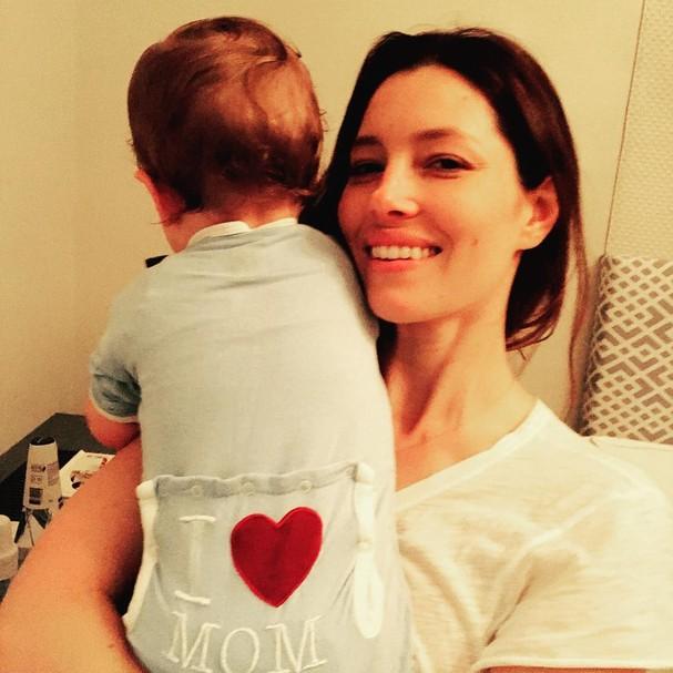 Jessica Biel e o filho Silas (Foto: Instagram/Reprodução)
