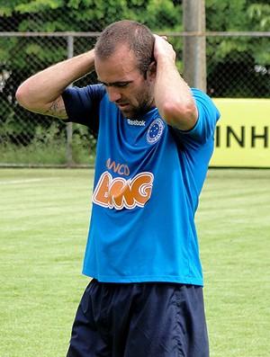 roger cruzeiro treino (Foto: Fernando Martins / Globoesporte.com)