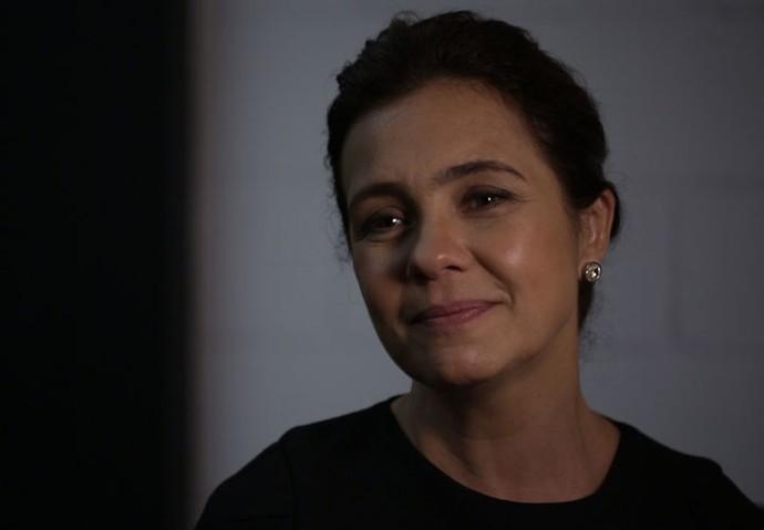 Adriana Esteves exalta a minissérie (Foto: TV Globo)