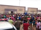 Família de criança de 4 anos achada morta faz protesto em frente ao Fórum