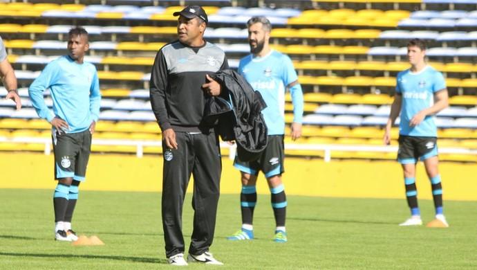 Gigante de Arroyito Rosario Grêmio Roger Machado treino (Foto: Eduardo Moura/GloboEsporte.com)