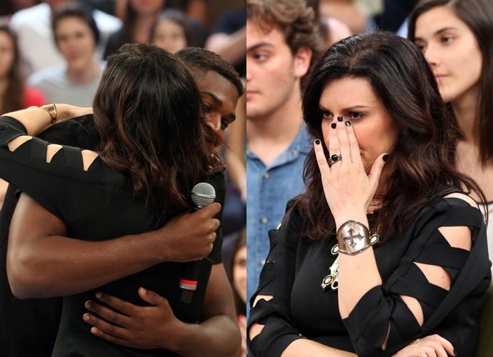 Laura Pausini se emociona com relato de Luiz Poé (Foto: Carol Caminha/Gshow)