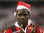 """""""Papai Noel"""" Balotelli decide com gols e garante o Nice na ponta do Francês"""