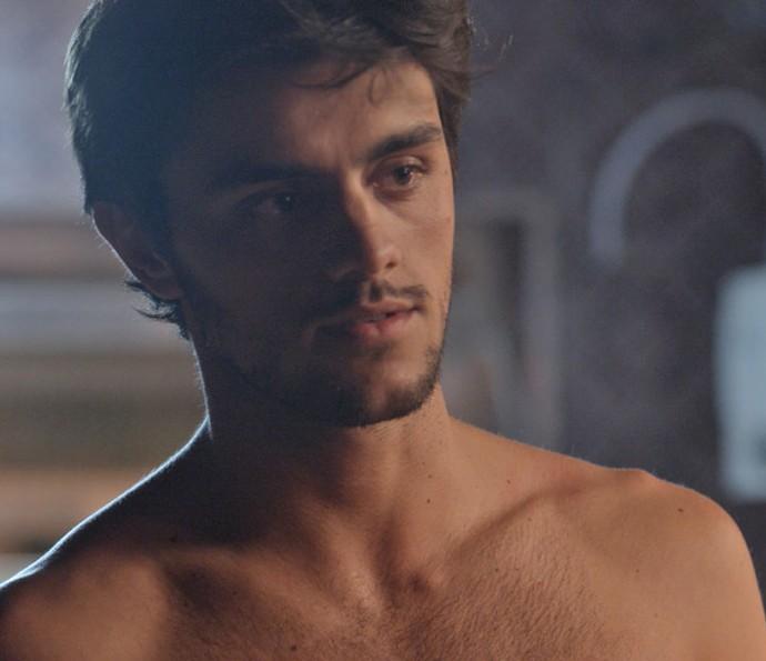 Jonatas diz que deseja ter um relacionamento sério com Eliza (Foto: TV Globo)