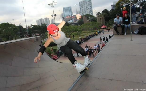 Fabíola Silva patinação in line Desafio  (Foto: Divulgação)