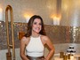 Jade Jagger, filha de Mick, inaugura banheiro público de luxo em São Paulo