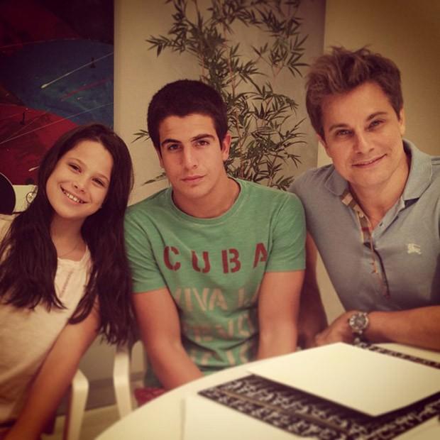 Sophia, Enzo e Edson Celulari (Foto: Instagram / Reprodução)