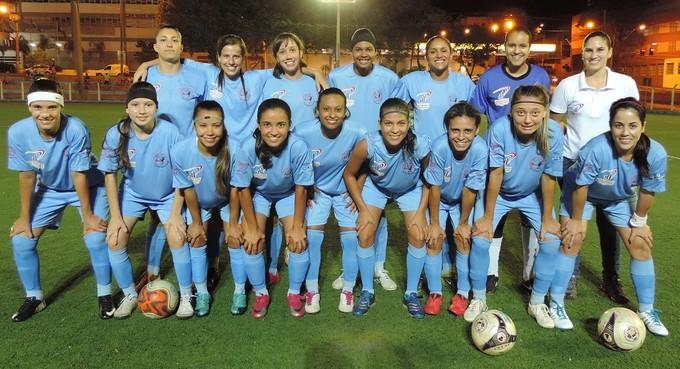 Time de futebol feminino de Prudente (Foto: João Paulo Tilio / Globoesporte.com)