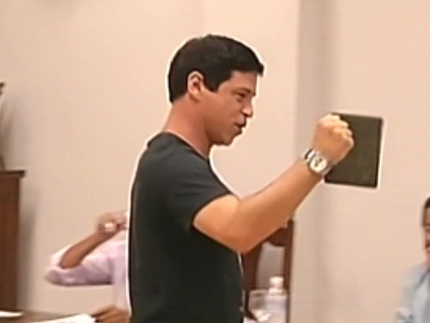 Marcos Paulo Borges comemorou absolvição (Foto: Reprodução/TV TEM)