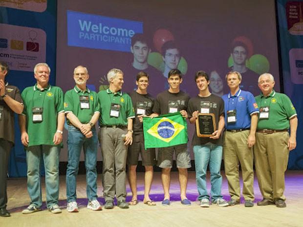 De preto, no centro, Geraldo, Jonathan e Felipe (Foto: Divulgação/ICPC)