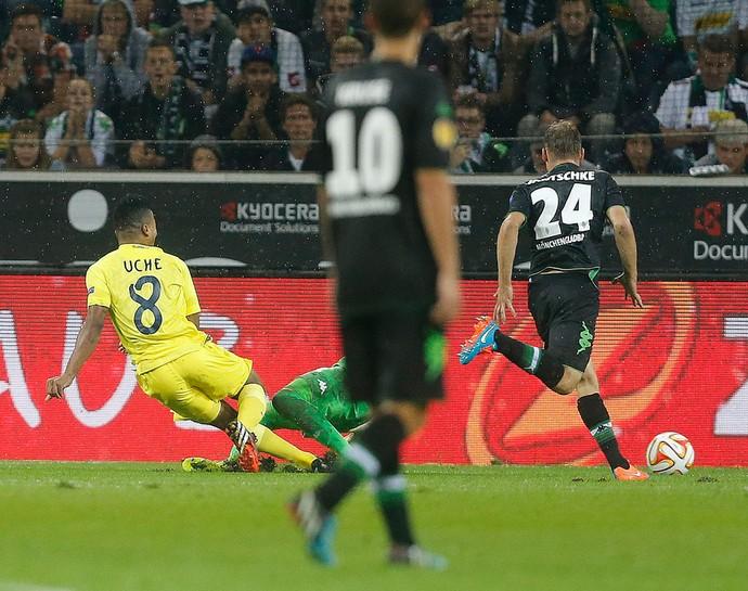 Uche, Villareal X Borussia Moenchengladbach (Foto: Agência AP)