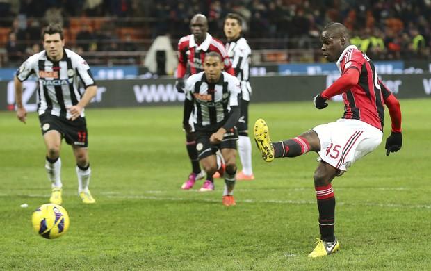 Mario Balotelli Milan Udinese (Foto: AP)