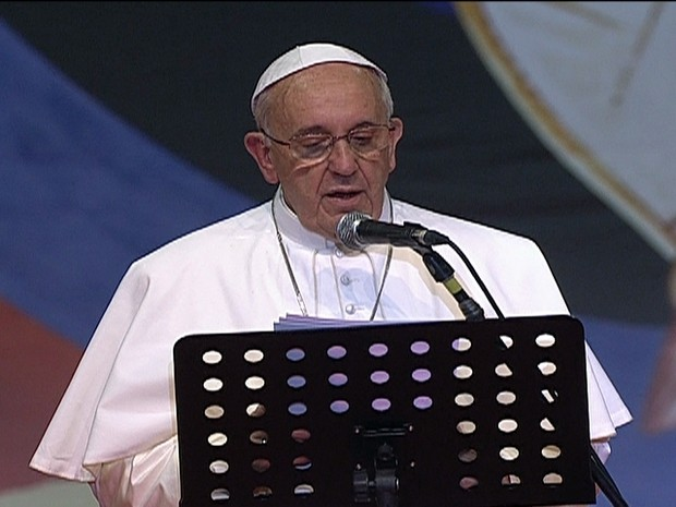 Papa Francisco discursa para os voluntários da JMJ no Riocentro/Gnews (Foto: Reprodução Globo News)
