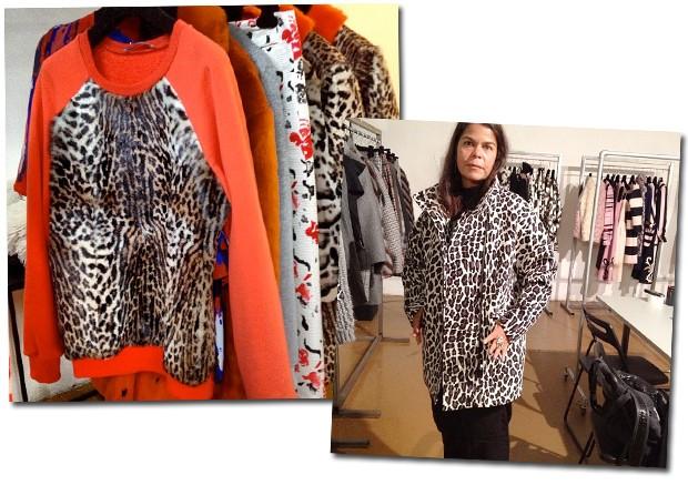 MSGM, inverno 2014; Daniela prova seu casaco favorito da nova coleção (Foto: Reprodução/Instagram)