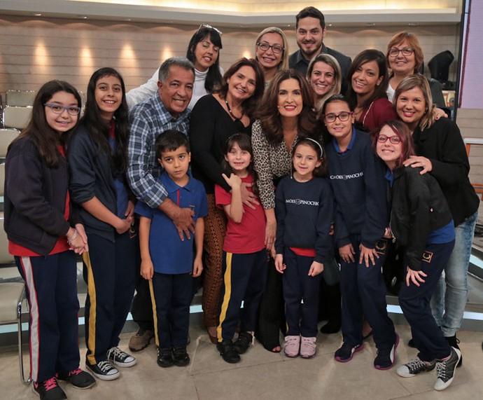 Mais foto da plateia do programa com a apresentadora  (Foto: Isabella Pinheiro/Gshow)