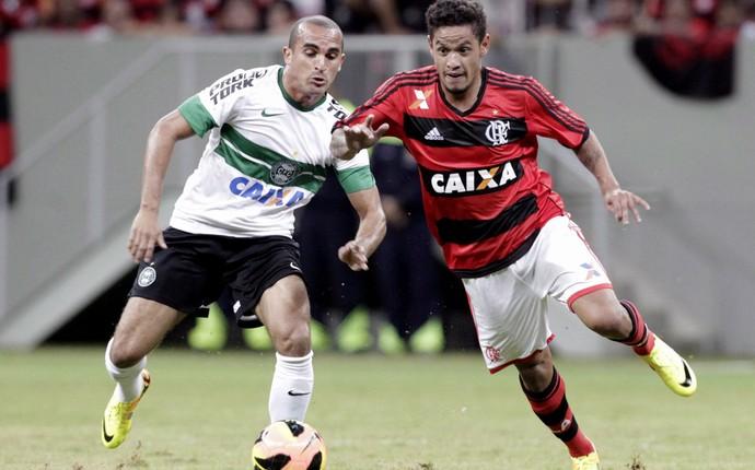 Carlos Eduardo Flamengo x Coritiba (Foto: Jorge William / Agência O Globo)