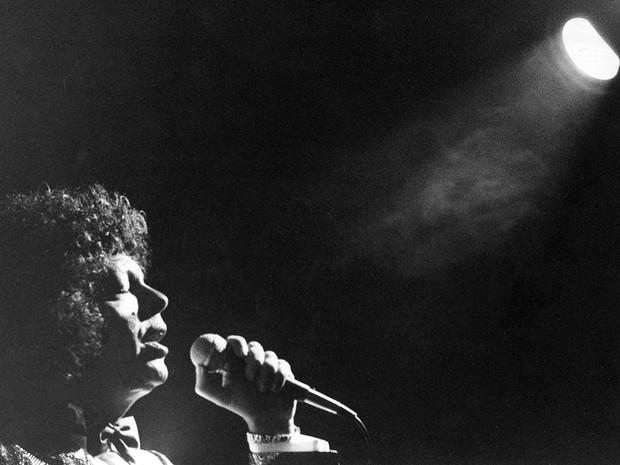 Cauby Peixoto durante apresentação em São Paulo em junho de 1989 (Foto: Leonardo Castro/Estadão Conteúdo/Arquivo)
