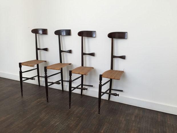 Coleção de cadeiras oferecidas pela metade em site de vendas (Foto: Reprodução/Ebay)