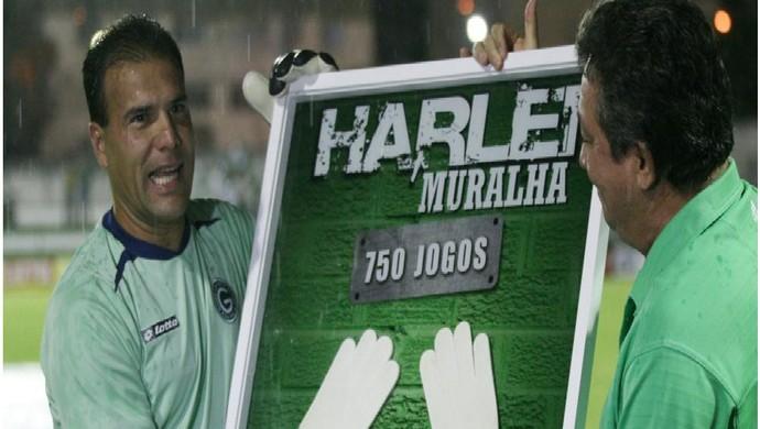 Harlei, goleiro do Goiás, quando completou 750 jogos pelo clube (Foto: Rosiron Rodrigues/Goiás E.C.)