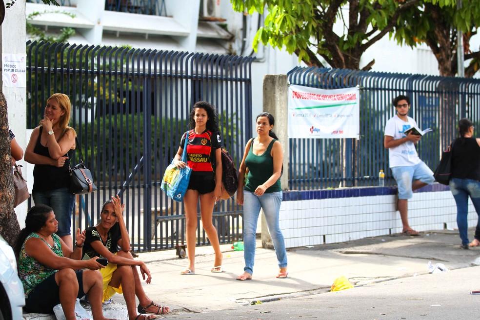 Candidatos farão provas do seriado da UPE (Foto: Marlon Costa/Pernambuco Press)