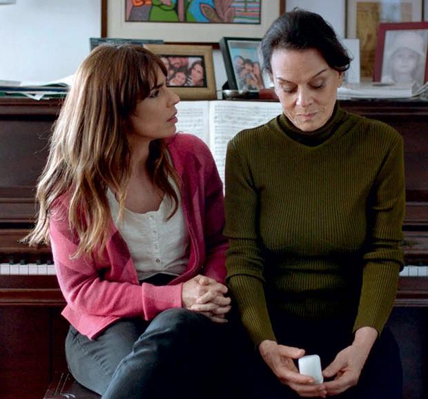 5. A relação conflituosa de Rosa com a mãe (Clarice Abujamra) marca a trama (Foto: Priscila Prade)