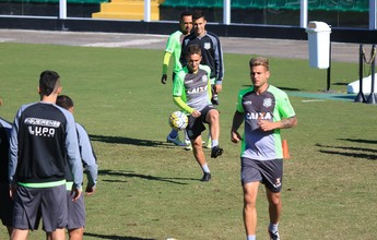 """Com """"briga"""" em dois setores, Figueira está pronto para enfrentar o Santos"""