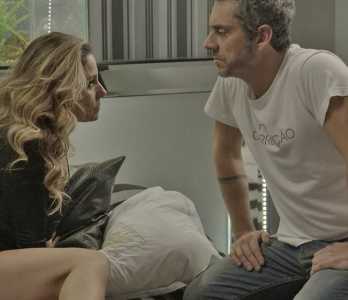 Romero confronta Atena (Foto: TV Globo)