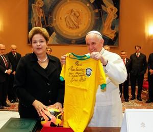 Presidente Dilma Rousseff se encontra com o papa Francisco em Roma, na Itália (Foto: Roberto Stuckert Filho/PR)