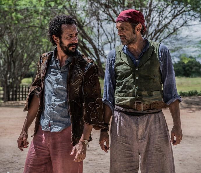Bento e Santo volta a se entender (Foto: Caiuá Franco/ Globo)