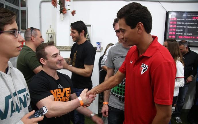 Ganso e Arthur Zanetti, campeão olímpico (Foto:  Rubens Chiri/saopaulofc.net)