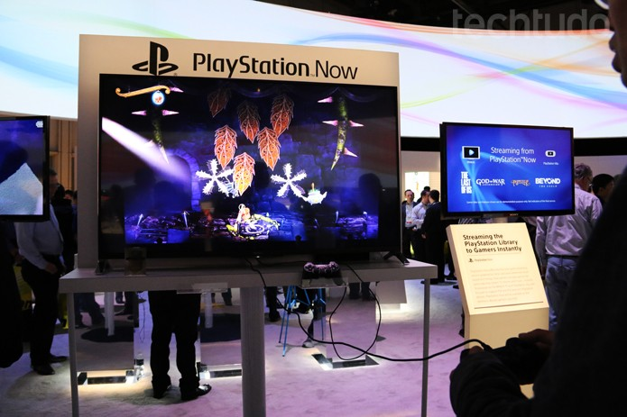 O presidente executivo da Sony anuncia o Playstation Now na CES 2014 (Foto: Fabrício Vitorino/TechTudo)