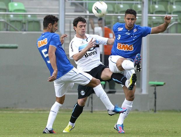 Leandro Guerreiro, Leo e Kleber, Cruzeiro x Grêmio (Foto: Paulo Fonseca / Futura Press)