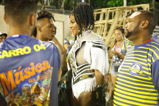 Ludmilla em ensaio técnico no Rio (Foto: Anderson Barros / EGO)