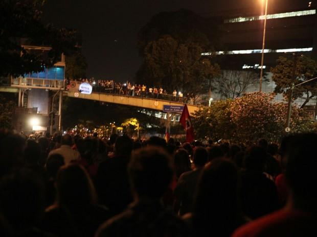 Manifestantes caminham pela Avenida Rebouças em direção ao Largo da Batata (Foto: Fábio Tito/G1)