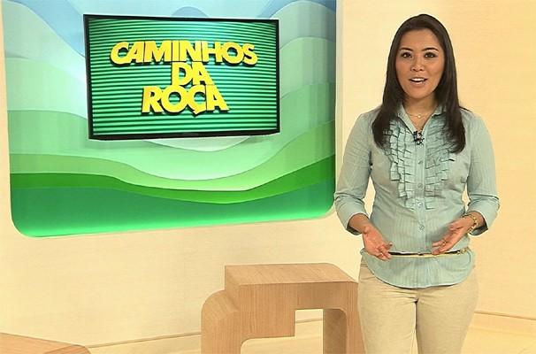 Cinthia Mitsumori apresenta o Caminhos da Roça todos os sábados (Foto: Reprodução EPTV)