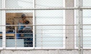 Meia Giuliano faz tratamento de lesão no CT do Grêmio (Foto: Diego Guichard / GloboEsporte.com)