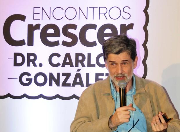 Carlos González falou sobre criação com apego  (Foto: Sylvia Gosztonyi/ Editora Globo)